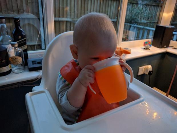 Munchkin 360 sipping